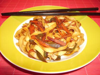 Tallarines con verduras y soja